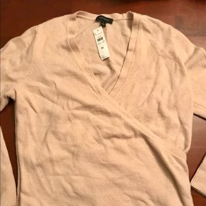 WOMANS V-NECK SWEATER BY ANN TAYLOR - XL
